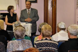 Russian Speaking Outreach - ESL Classes and Shabbat